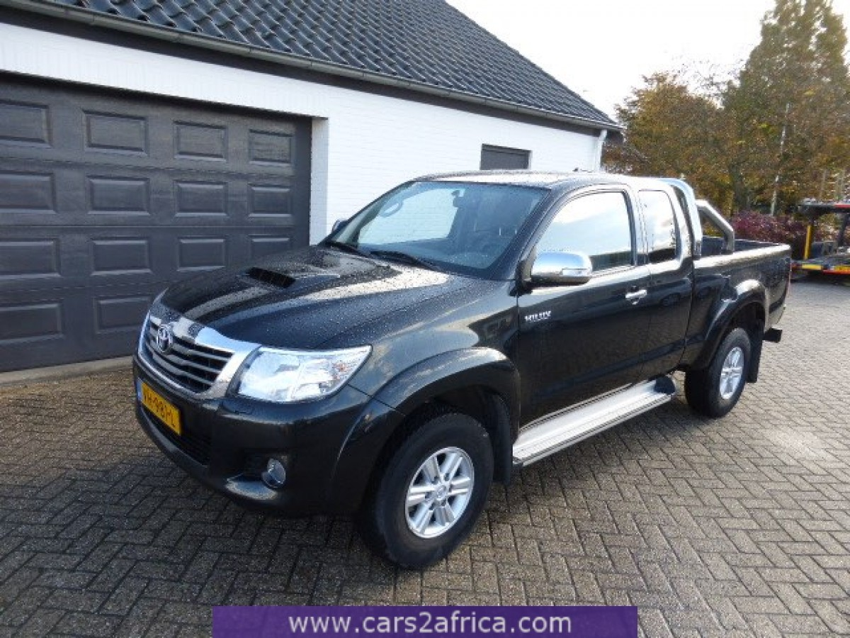 TOYOTA Hilux 2.5 D-4D #63907 - used, available from stock