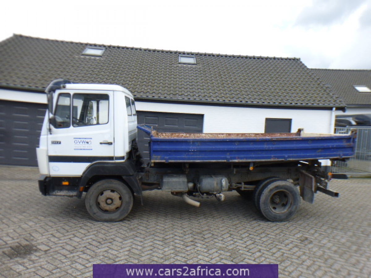 Mercedes benz ecoliner 817 64414 used available from stock for Used mercedes benz truck