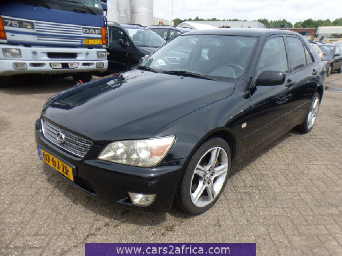 lexus is 200 2 0 v6 64812 used available from stock. Black Bedroom Furniture Sets. Home Design Ideas
