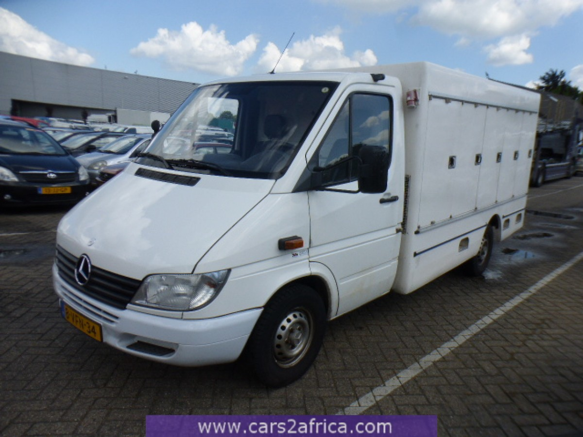 mercedes benz sprinter 311 cdi 64829 used available from stock. Black Bedroom Furniture Sets. Home Design Ideas