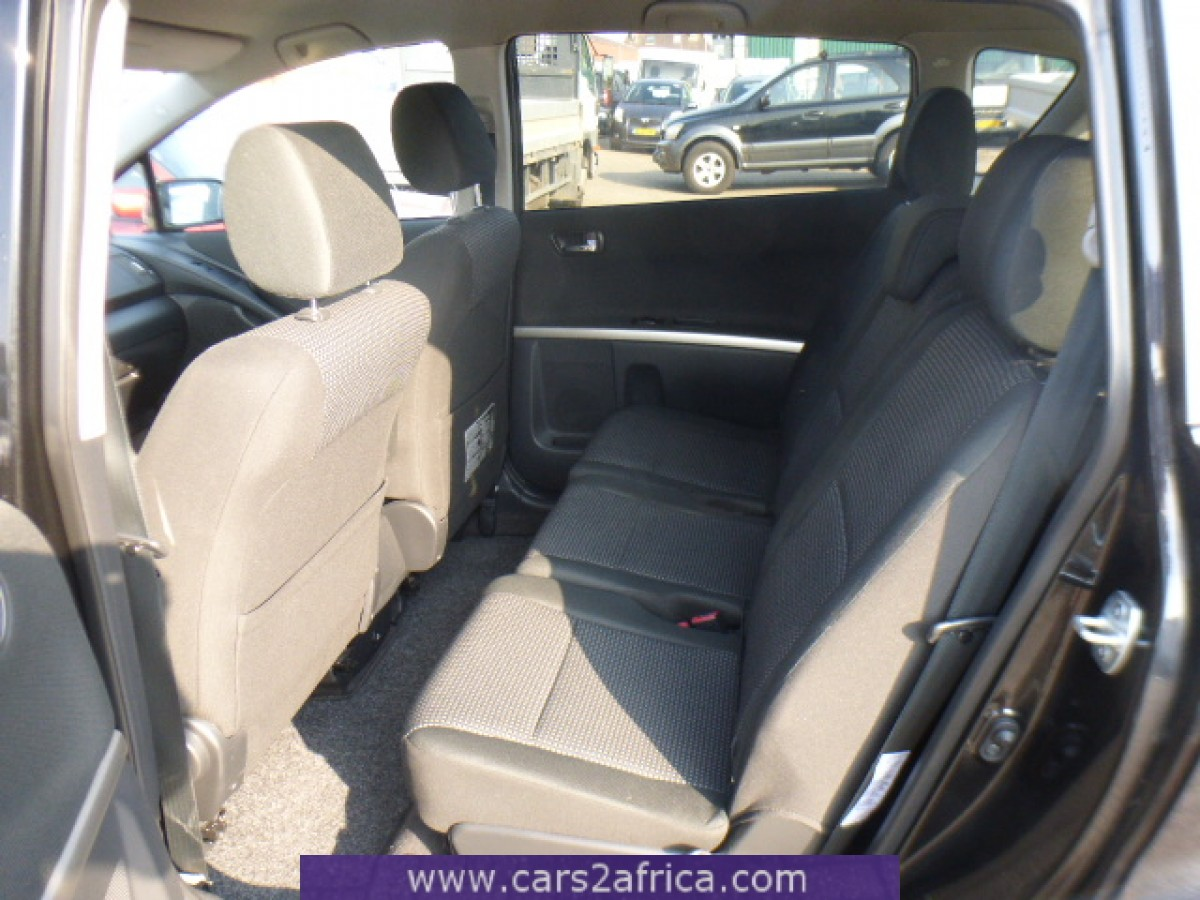 toyota corolla verso 2 2 d cat 65189 occasion utilis en stock. Black Bedroom Furniture Sets. Home Design Ideas