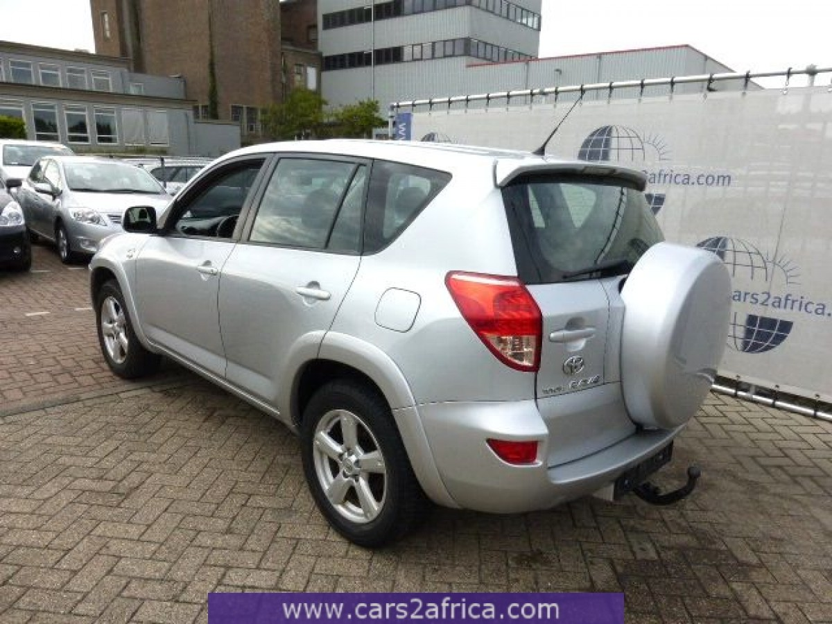 toyota rav4 2 2 d 4d 62045 used available from stock. Black Bedroom Furniture Sets. Home Design Ideas