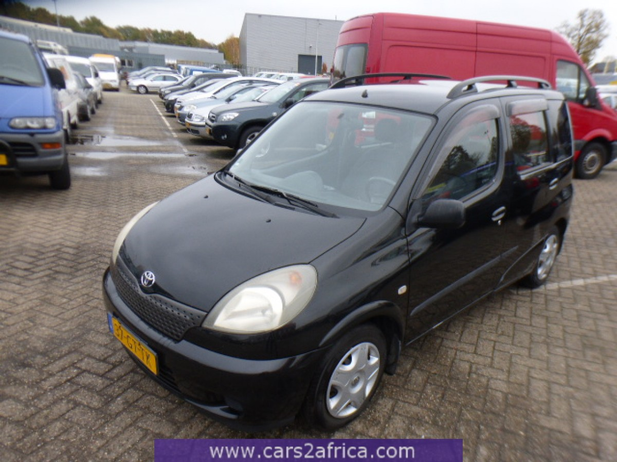 toyota yaris verso 1 3 65528 used available from stock. Black Bedroom Furniture Sets. Home Design Ideas