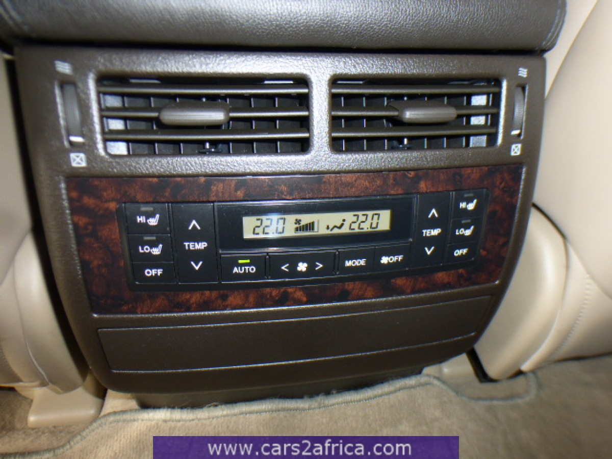 toyota landcruiser 200 4 5 d 4d v8 62561 occasion utilis en stock. Black Bedroom Furniture Sets. Home Design Ideas