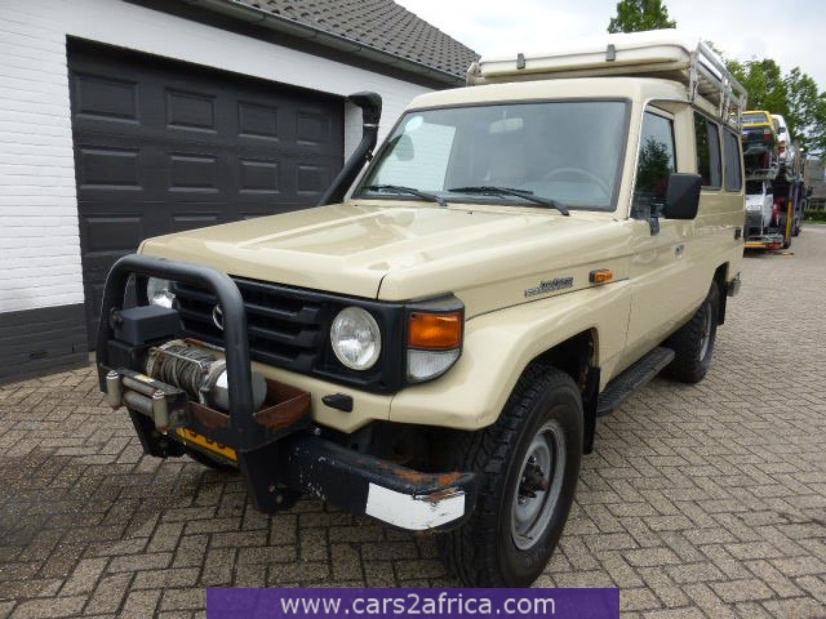 toyota landcruiser 70 4 2 d 63257 used available from. Black Bedroom Furniture Sets. Home Design Ideas